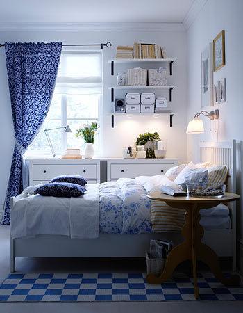 床头朝南卧室装修效果图