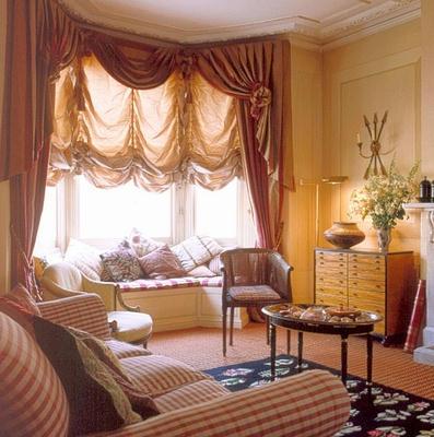 装潢阳台窗子效果图图片 家庭小阳台绿化效果图,家庭阳台茶室