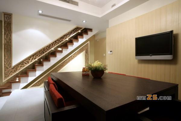 一楼客厅楼梯设计图展示