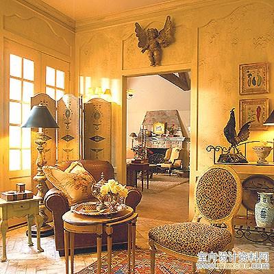 卧室的家具和装饰混合了法式