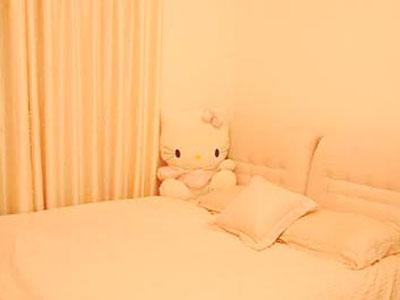 卡通小小家:卧室