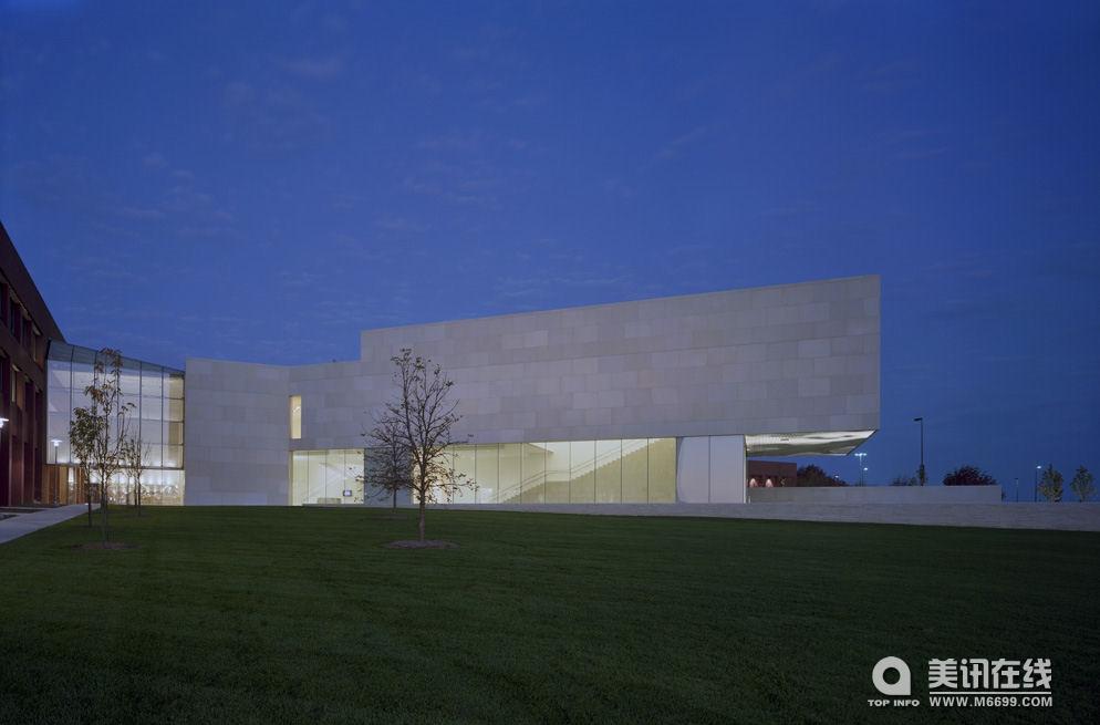 当代艺术博物馆,设计师: kyu sung woo ,地点: kansas