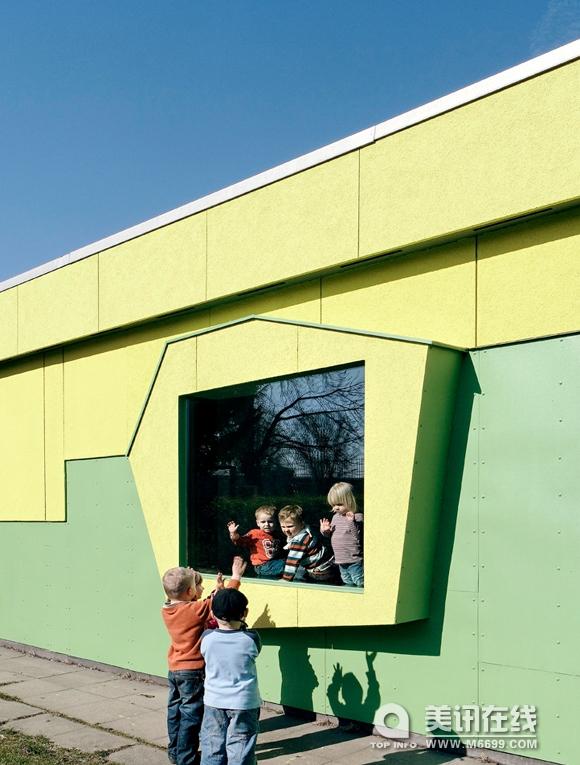 幼儿园建筑区低结构材料搭建图片